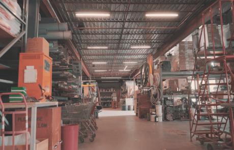Entrepôt de matériel électrique