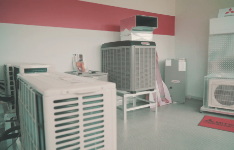 Salle avec 6 unités de climatisation